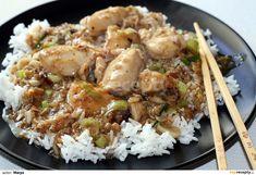 Kuřecí filátka osušíme a očistíme, překrojíme napůl. Dáme do mísy, přidáme 1 vejce, lžíci solamylu, lžíci oleje, koření 5 vůní dle chuti, cca... No Salt Recipes, Chicken Recipes, Cooking Recipes, China Food, Asian Recipes, Ethnic Recipes, Food And Drink, Menu, Yummy Food