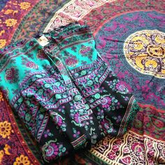 Colorful kimono Comfy colorful kimono! Very vibrant and colorful. Super comfortable and in excellent condition. Francesca's Collections Tops