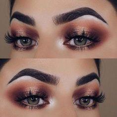 Subtle Glitter Eye Makeup Look for Green Eyes