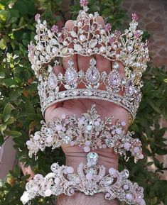 28 Gorgeous Bridal Crown Desings for Cool Brides! 28 Gorgeous Bridal Crown Desings for Cool Brides! 28 Gorgeous Bridal Crown Desings for Cool Brides! Cute Jewelry, Hair Jewelry, Wedding Jewelry, Women Jewelry, Jewelry Ideas, Bridal Crown, Bridal Tiara, Quince Dresses, Ball Dresses