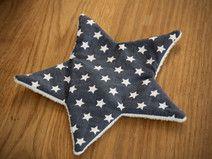 Knisterstern blau, mit weißen Sternen