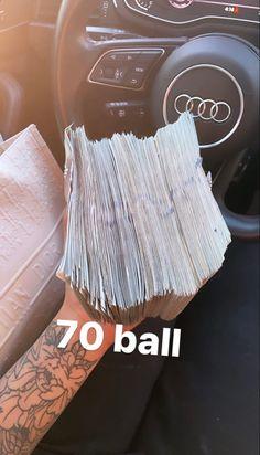 Money Girl, Mo Money, How To Get Money, Money Images, Money Pictures, Flip Cash, Money On My Mind, Money Stacks, Bestie Gifts