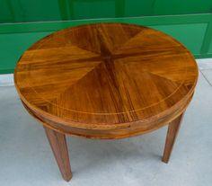 Tavolino da salotto noce con 'stella' e filetto in acero stile Luigi XVI diametro 80 cm