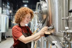 Life Photography, Brewery, Stock Photos, Working Woman, Crafts, Women, Style, Swag, Manualidades