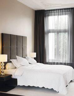 luxe bed met maatwerk headboard: moderne Slaapkamer door choc studio interieur