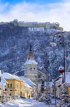 Rasnov travel in Winter Brasov Transylvania Romania Places To Travel, Places To See, Brasov Romania, Chateau Medieval, Visit Romania, Transylvania Romania, European City Breaks, Romania Travel, Beautiful Castles