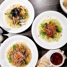 Vancouver Food, Food Cravings, Japchae, Travel Guide, Spaghetti, Canada, Pasta, Restaurant, Japanese