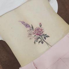 #tattoo#tattooart#tattooing#tattoowork#flowertattoo#colortattoo#flower#tattooart#tattooartist#타투#꽃타투#여자타투#허리타투#컬러티투#타투이스트꽃#tattooistflower flowers