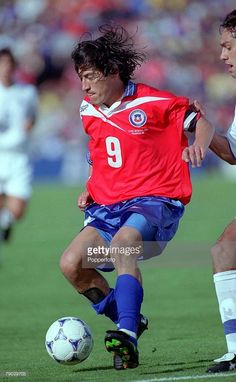 World Cup Finals, Bordeaux, France JUNE Italy 2 v Chile Chile's Ivan Zamorano runs with the ball Get premium, high resolution news photos at Getty Images 1998 World Cup, Fifa World Cup, Football Gif, World Football, Bordeaux France, World Cup Final, Vintage Football, Sports Photos, Soccer Ball
