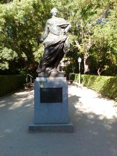 Real Jardín Botánico, estatua de Carlos III