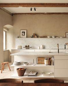 Inspiration from Zara Home for the Kitchen and Beyond TDC: Zara Home's first Kitchen Collection Zara Home Kitchen, New Kitchen, Home Kitchens, Kitchen Decor, Nordic Kitchen, Kitchen Shelves, Skandi Kitchen, Peach Kitchen, Beige Kitchen
