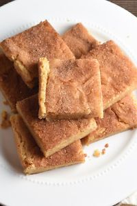 Snickerdoodle cookies in bar form. Chewy, buttery, and cinnamon-y. Good luck only eating one!The difference between a blondie and a bar…do you know? I spent more time trying to find out, than it actually...