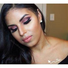 I need to buy this Morphe palette- how gorgeous are @mariasbeautybar's eyes?? #morphe #eyeshadow #anastasia #motives WWW.PAMPADOUR.COM