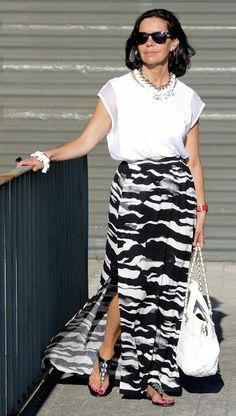 El capricho de Marquez@ : Black and white maxi skirt Mature Fashion, Over 50 Womens Fashion, 80s Fashion, Plus Size Fashion, Fashion Dresses, Fashion Trends, Fashion 2016, White Fashion, Casual Chic