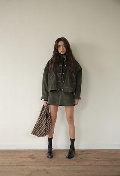 European Fashion, Asian Fashion, Fashion Beauty, Korean Outfit Street Styles, Korean Outfits, Fall Fashion Skirts, Fashion Outfits, Modest Outfits, Cool Outfits