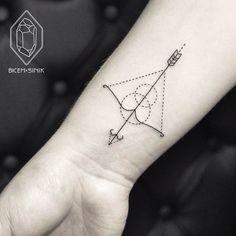 Utilizando linhas geométricas e pontos, artista turca faz incríveis tatuagens…