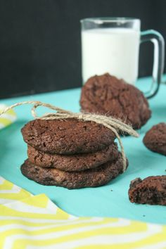 cokoladovo pomarancove cookies Cookies, Chocolate, Desserts, Food, Crack Crackers, Tailgate Desserts, Deserts, Biscuits, Essen