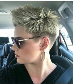 Coolest Short Pixie Cuts and Hairstyles Trends in Trendy hairstyles and colors Women hair colors; Hairstyles 42 Coolest Short Pixie Cuts and Hairstyles Trends in 2019 Short Pixie Haircuts, Pixie Hairstyles, Short Hairstyles For Women, Trendy Hairstyles, Short Hair Cuts, Faux Hawk Hairstyles, Blonde Haircuts, Pixie Cut Kurz, Pixie Cuts