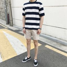 Photography Poses Man Simple 34 Ideas For 2019 Korean Fashion Men, Trendy Fashion, Mens Fashion, Fashion Wear, Style Fashion, Vans Outfit Men, Casual Outfits, Men Casual, Summer Outfits Men