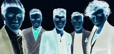 Stare at the dot for 30 secs and then blink quickly at a blank wall ... Is Awesome ♥ it looks like it has Color!!!!......ur welcome;)