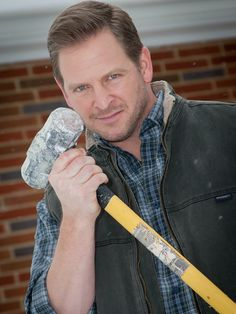 Smashing things with a sledgehammer is serious business!  Tune in to the all-new show Sledgehammer every Wednesday 10/9c to see @jasoncameron1 demolitions and renovations.