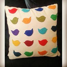 #dikiş #sewing #nähen #yastikkilifi #pillowcase #kissenbezug #diy #heimwerken #kendinyap #kuslar #birds #vögel #kece #felt #filz #sewingproject #sewforhome #nahenfurzuhause