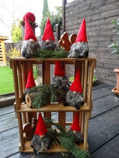 Tinker gnomes: easy instructions and original ideas for last-minute Christmas decorations - Christmas decorations DIY ideas for elves - Easy Christmas Crafts, Christmas Gnome, Simple Christmas, Diy Crafts For Kids, Christmas Holidays, Simple Crafts, Diy Snowman Decorations, Christmas Decorations, Christmas Ornaments