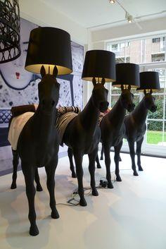 Bekijk 9 x bijzondere lampen op woontrendz dagelijks bekijk 9 x bijzondere lampen op woontrendz dagelijks woontrends ontdekken en wooninspiratie opdoen lampen pinterest interiors mozeypictures Gallery