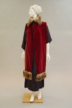 Ensemble Paul Poiret (French, Paris 1879–1944 Paris)  Date:     1912 Culture:     French Medium:     a) silk, fur; b) silk Dimensions:     Length at CB (a): 45 in. (114.3 cm) Length at CB (b): 56 in. (142.2 cm) Credit Line:     Purchase, Friends of The Costume Institute Gifts, 2005