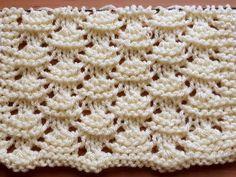 Crotchet Stitches, Knitting Stiches, Knitting Videos, Baby Knitting, Crochet Hooded Scarf, Knit Crochet, Baby Girl Socks, Chunky Knitting Patterns, Crochet Baby Shoes