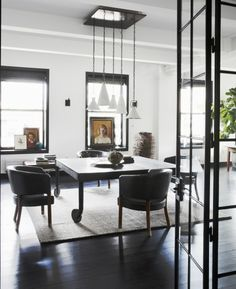 "In a spacious New York City loft, design Monique Gibson was tasked with creating ""domestic bliss"" for a creative couple - one-half writer, one-half Loft Interior Design, Top Interior Designers, Loft Design, Room Interior, New Yorker Loft, Loft Office, Loft Interiors, Modern Loft, Modern Living"