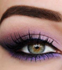 Purple eyes make-up for green eyes - Lifestyle - Eye Make up Purple Eye Makeup, Eye Makeup Tips, Makeup Goals, Makeup Inspo, Eyeshadow Makeup, Makeup Inspiration, Beauty Makeup, Hair Makeup, Makeup Looks For Green Eyes