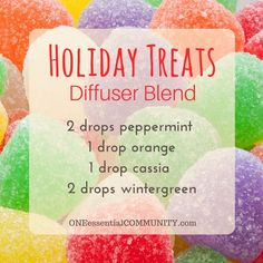 this smells amazing!! Holiday treats diffuser blend with peppermint, orange, cassia, and wintergreen essential oils-- plus there are 40 more Christmas diffuser blends and a FREE PRINTABLE of all the recipes!