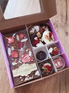 Custom Chocolate, Artisan Chocolate, Chocolate Shop, Chocolate Bark, Chocolate Gifts, Homemade Chocolate Bars, Chocolate Candy Recipes, Chocolate Covered Treats, Handmade Chocolates