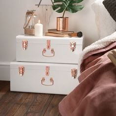 Beautify Set of 2 Vintage-Style Steel Bedroom Storage Trunks - Blush Pink & Rose Gold Rose Gold Rooms, Rose Gold Decor, Room Decor Bedroom Rose Gold, Blush Pink Bedroom, Pink Vintage Bedroom, Copper Bedroom Decor, Rose Gold And Grey Bedroom, Rose Gold Interior, Diy Bedroom
