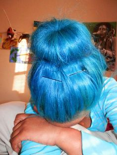 bright hair color ideas   and another gorgeous blue haired girl.