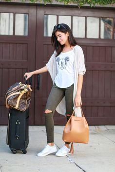 18 Travel Outfits Ideas 2017 http://www.ysedusky.com/2017/03/13/7928/