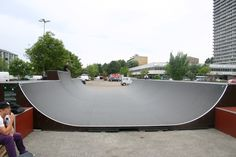 Domus Vista Skatepark · Skatepark København · Nordens Plads, Frederiksberg · En af Danmarks bredeste minivert kan underholde enhver skater. · Find Vej