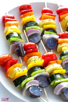 Rainbow veggie skewers are a delicious and colorful side, perfect for summertime. Vegetable Skewers, Vegetable Dishes, Vegetable Recipes, Vegetarian Recipes, Vegetarian Grilling, Healthy Grilling, Veggie Food, Skewer Recipes, Snack Recipes