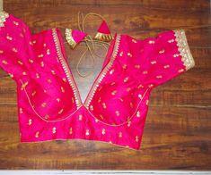 Indian Blouse, Sari Blouse, Pattu Saree Blouse Designs, V Neck Blouse, Indian Wear, Bridal Sari, Indian Bridal, Designer Saree Blouses, Wedding Embroidery