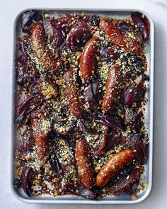 This easy tray bake sees sausages and onions cooked in red wine until caramelised and then topped with a crunchy herb and breadcrumb topping. Take your weeknight dinners up a notch. Tray Bake Recipes, Sausage Recipes, Pork Recipes, Cooking Recipes, Sausage Meals, Savoury Recipes, All You Need Is, Sausage Tray Bake, Wine With Ham