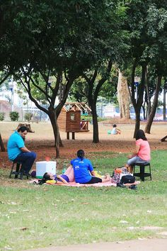 Frequentadores do parque Maurilio Biagi nesta terça-feira (8), após anúncio do governo