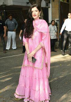 Casual Indian Fashion, Ethnic Fashion, Pakistani Dress Design, Pakistani Outfits, Salwar Kurta, Sharara, Anarkali, Bandhani Dress, Kurti Embroidery Design