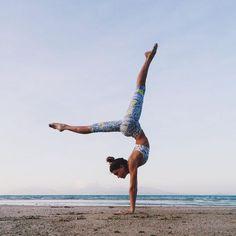 handstand | yoga