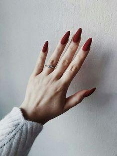 Trendy nail polish colors e. The year 2019 - Trendy nail polish colors e. The year 2019 # nail polish colors - Red Acrylic Nails, Matte Nails, Acrylic Art, Matte Almond Nails, Elegant Nail Art, Nagel Blog, Almond Shape Nails, Nagel Gel, Nail Polish Colors