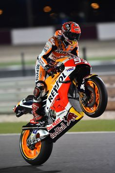World Champion 2016 : Marc Marquez Honda Gp Moto, Moto Bike, Motorcycle Bike, Marc Marquez, Motocross, Hase Tattoos, Velentino Rossi, Course Moto, Soichiro Honda