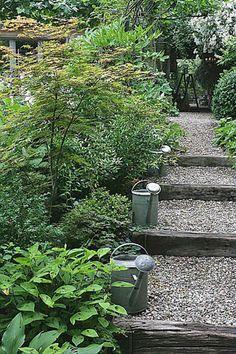 Pour l'escalier à réaliser devant la maison Hillside Garden, Terrace Garden, Garden Paths, Garden Landscaping, Garden Tools, Moss Garden, Succulents Garden, Landscape Design, Garden Design