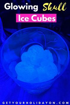 Did you know that you can make Glowing Skull ice? The ice will be fluorescent under a black light and it only takes one ingredient. Adult Halloween Party, Zombie Party, Halloween Home Decor, Halloween Crafts, Halloween Decorations, Birthday Party For Teens, Teen Birthday, Birthday Ideas, Favorite Holiday
