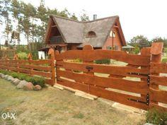 Płot Drewniany Płoty Drewniane Ogrodzenie Ogrodzenia Głubczyce - image 1 Farm Gate, A Frame Cabin, Garden Bridge, Farmhouse Style, Wood Projects, Westerns, Pergola, Backyard, Exterior