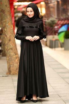 The perfect addition to any Muslimah outfit, shop Muslim fashion Nayla Collection - Black Hijab Dress Find more Dresses at Tesetturisland! Black Hijab, Black Abaya, Abaya Fashion, Muslim Fashion, Fashion Dresses, Royal Blue Dresses, Satin Dresses, Modern Abaya, Hijab Dress